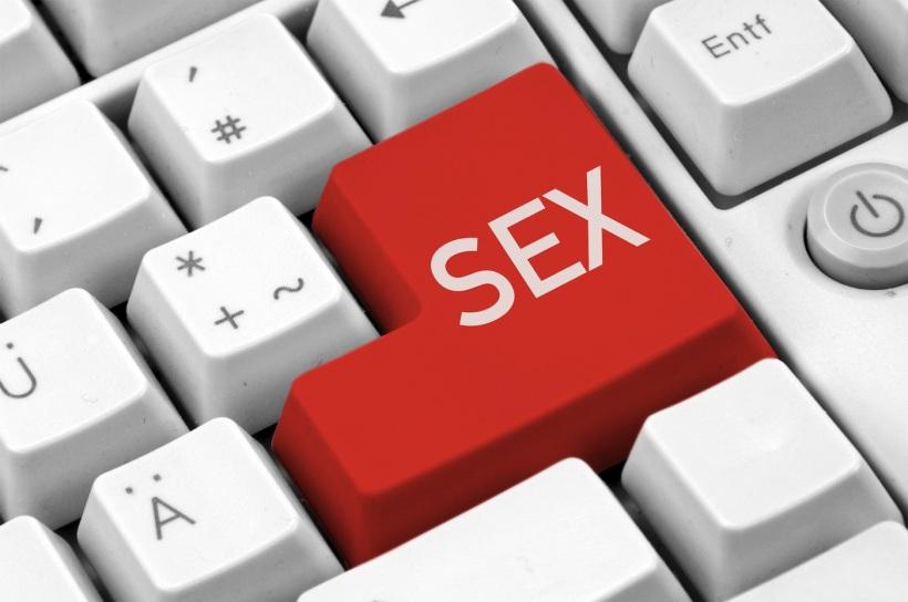 social-media-a-lot-like-sex.jpg
